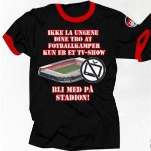 194_Bli_med_på_stadion_t-skjorte_medium